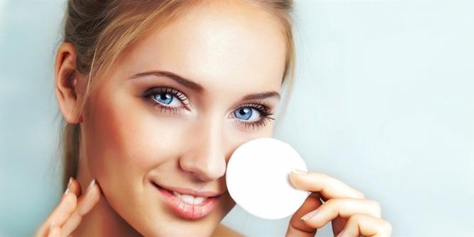 1 Dakikada doğal makyaj temizleyicisi hazırlayın